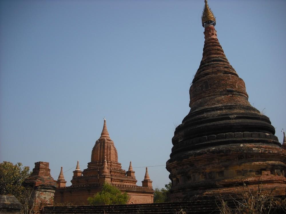 stupas bagan