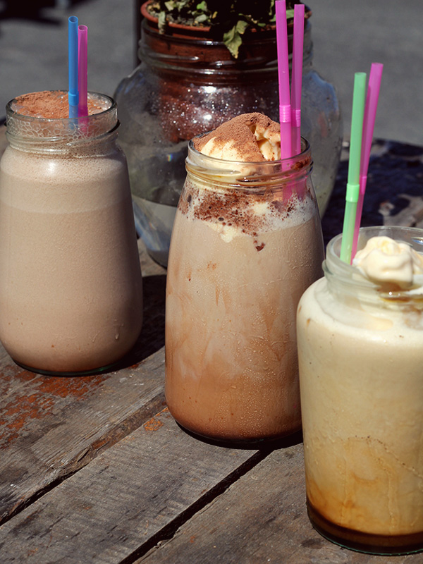 Iced-Coffees-at-Jam-Jar-Newquay