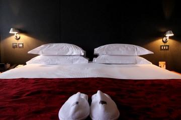 Royal Garden Hotel Bed