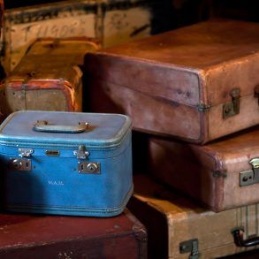 how to travel light tips for frugal packing